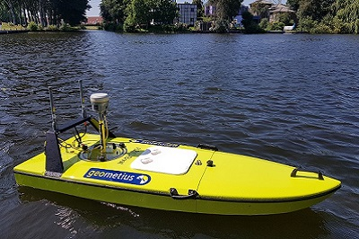Radiografisch bestuurbare boot